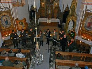 Předvánoční troubení vAlbrechtickém kostele III