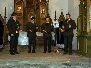 Předvánoční troubení - kostel Sv. Anny vAlbrechticích uLanškrouna 01